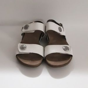 ARRAY Barcelona Women's Sandal White Size 9